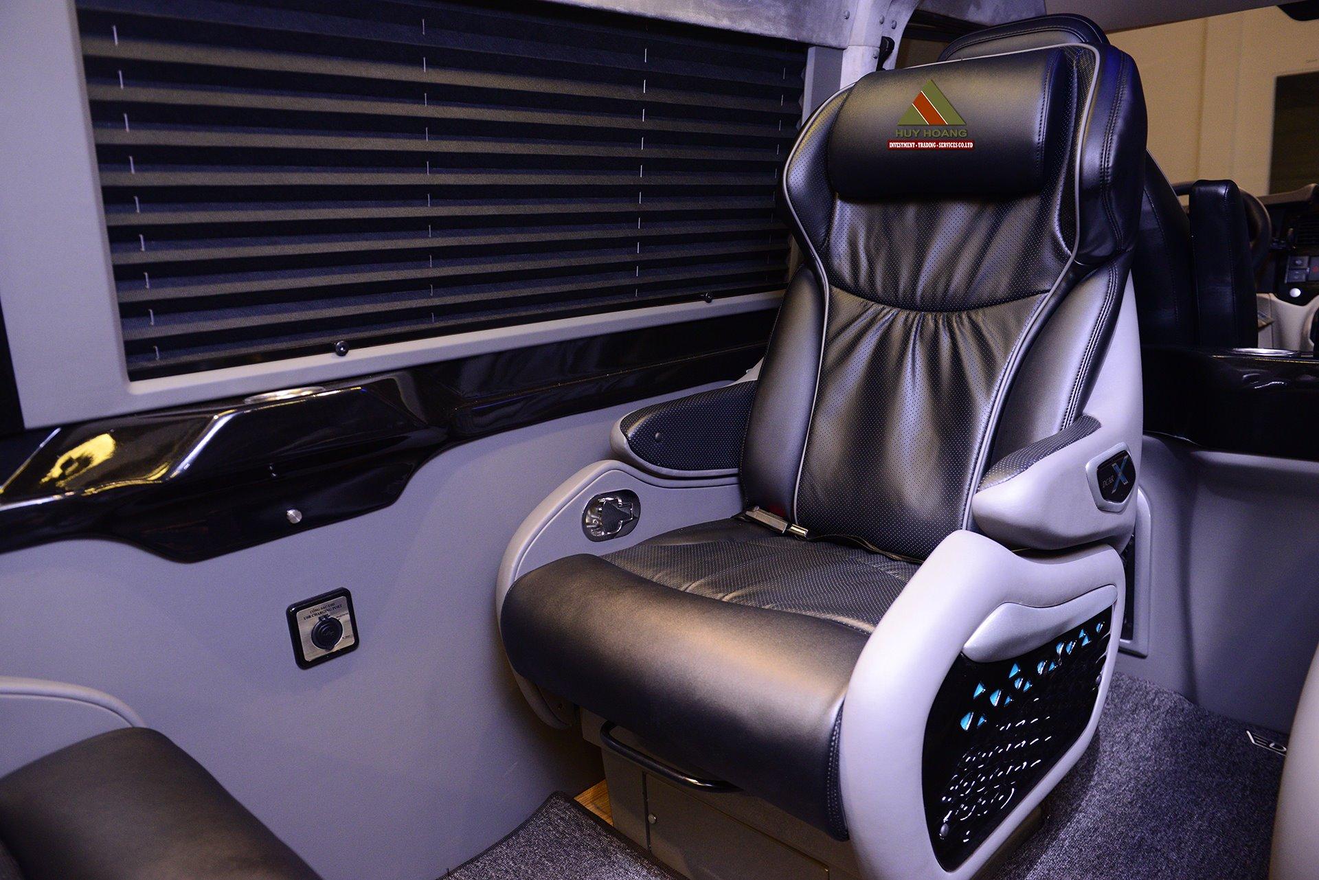 Ghế xe Huy Hoàng Limousine Vũng Tàu