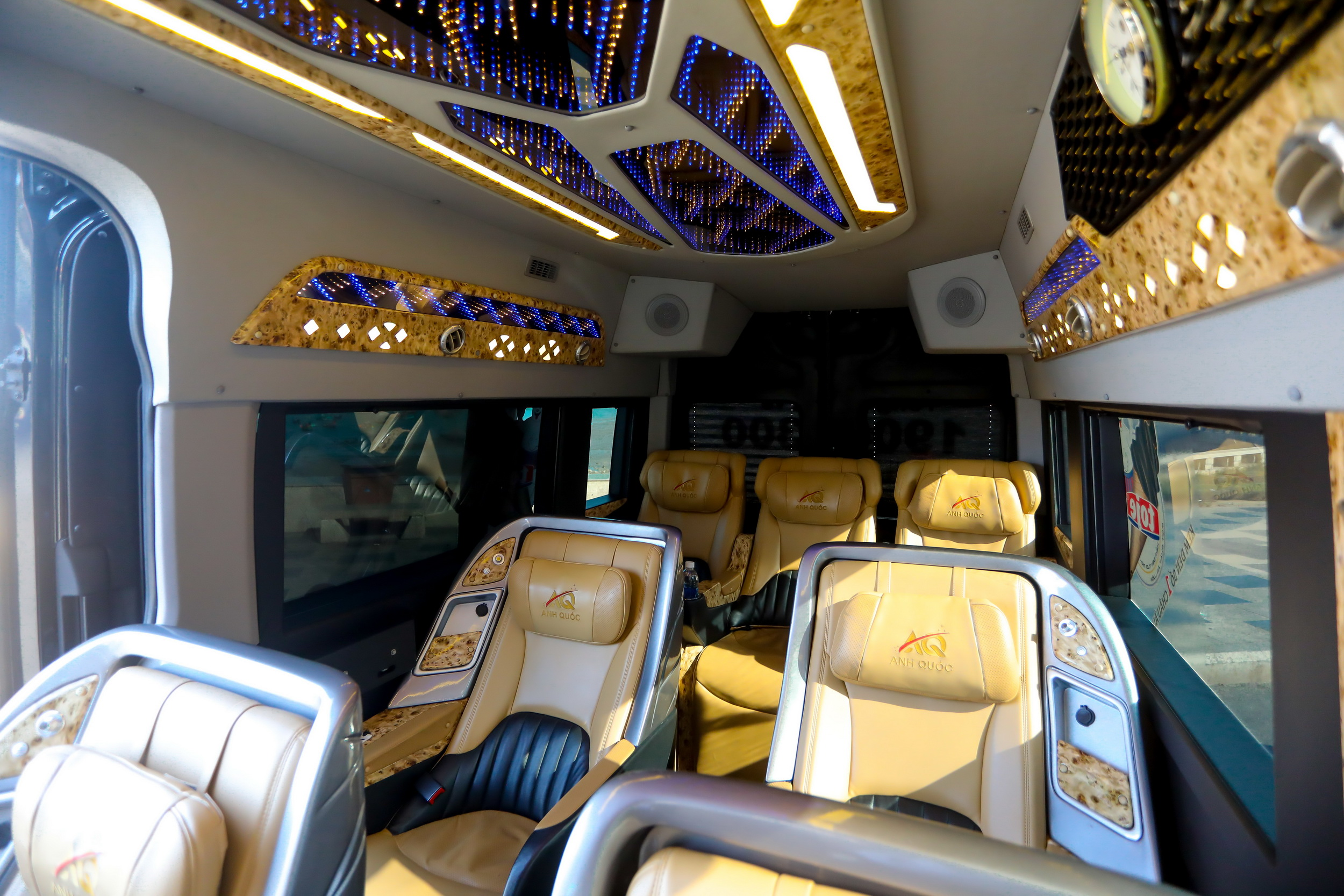 Nội thất xe limousine Anh Quốc